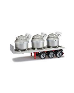 Auflieger mit drei Aluminiumtiegeln