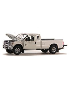 Ford F250 XLT Pickup Super Cab & 8' Bed - White / Chrome