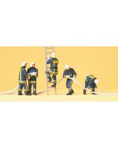 Feuerwehrmänner, Löschangriff