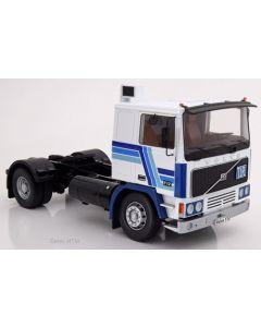 Volvo F12, weiss/blau