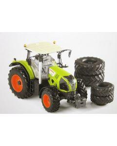 Claas Axion 870 Traktor mit 8 Räder