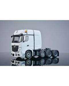 MB Actros  Gigaspace 8x4 weiss