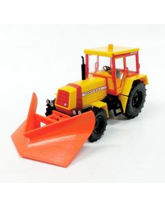 Traktor ZT 323 mit Spitzpflug