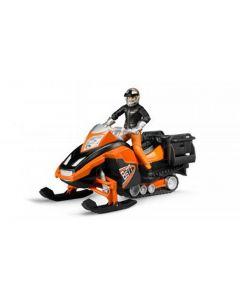 Snowmobil mit Fahrer und Ausstattung