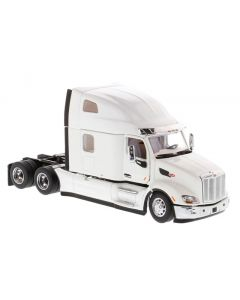 Peterbilt 579 UltraLoft Tractor in White