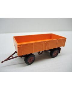 98026/04 - Deichselanhänger mit Dreiseitenkippmulde -orange-